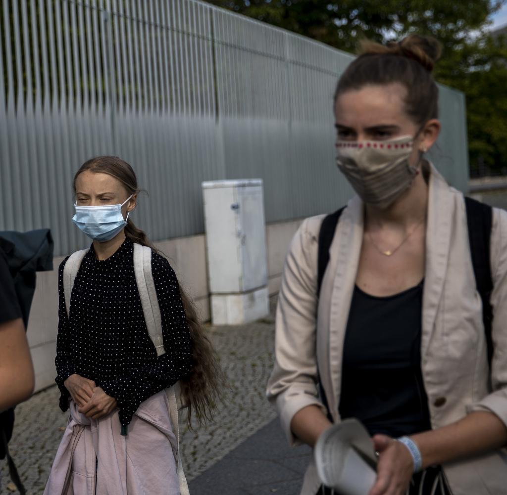Die Klimaaktivistinnen Adelaide Charlier , Greta Thunberg und Anuna De Wever (v.l.)
