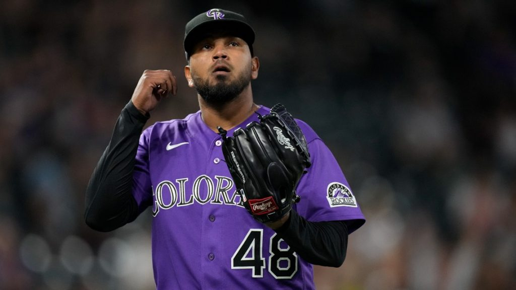 Germán Márquez comes within 3 outs of 8th no-hitter of 2021